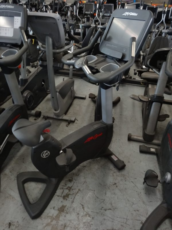 Life Fitness 95c Discovery Upright